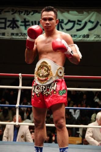 マキ・ピンサヤーム/第20代MA日本フェザー級チャンピオン - コピー